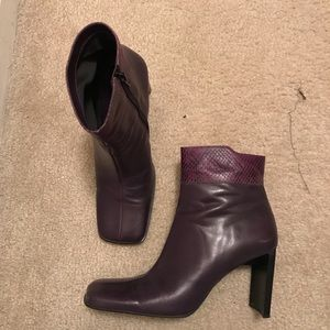 Beautiful plum booties 🟣💜